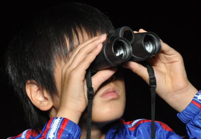 双眼鏡(そうがんきょう)で天体観測(かんそく)をしよう