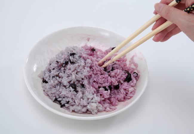 カラフル巻寿司(まきずし)<br>⾊変わり実験