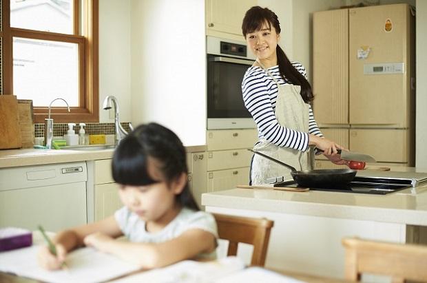 東大生が子どものころ勉強していた場所は「リビング」が48%/子どもが伸びる家庭の10の習慣【第9回】
