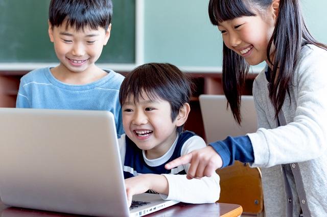 STEAM教育で、AI(人工知能)が発達した未来に貢献できる人材を育成/知っておきたい教育用語のトリセツ【第9回】